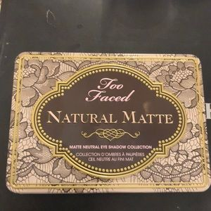 Natural matte eyeshadow palette too faced